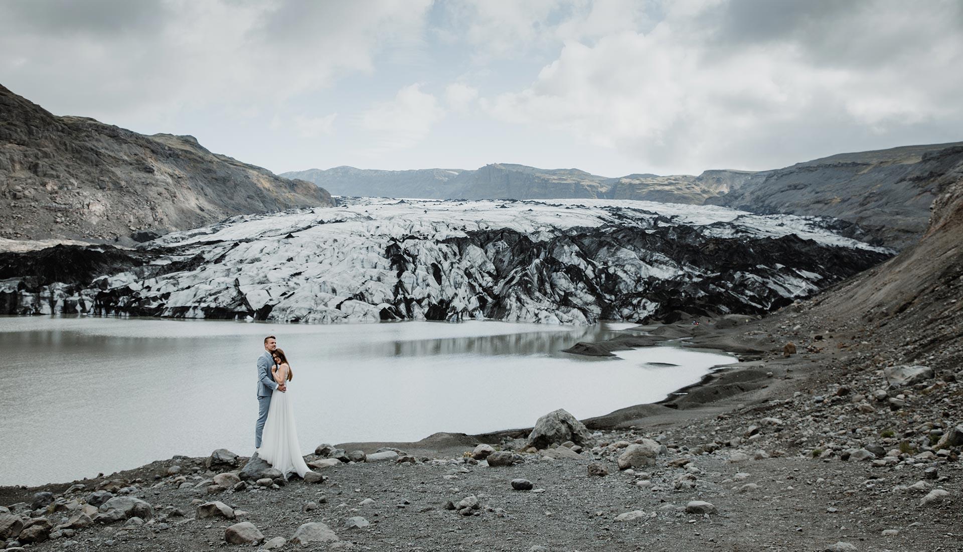 Heiraten in Island - An einem wundervollen Gletscher